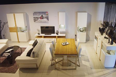 Kolekcja salon Toskania pokój dzienny meble drewniane białe fronty połysk wstawki z litego drewna