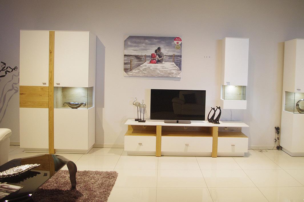 Kolekcja Toskania pokój dzienny nowoczesna meblościanka modułowa z elementami wstawkami z litego drewna