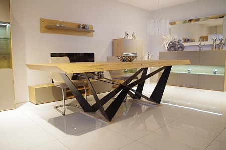 New York - masywny stół dębowy do jadalni, nogi wykonane z arkuszy blachy stalowej lakierowanej na kolor czarny