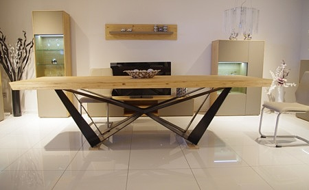 New York - nowoczesny masywny stół do wnętrza industrialnego bądź urządzonego w designerskim stylu