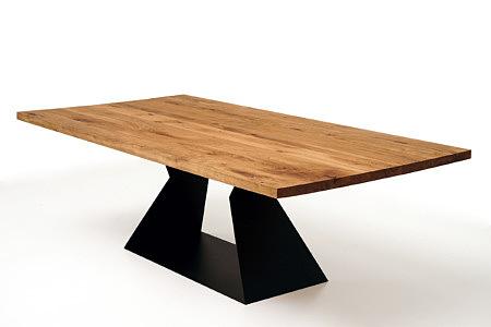 A9 stół z litym drewnianym blatem i metalową nogą z blachy