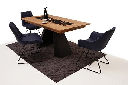 Caroline1 aranżacja jadalni z nowoczesnymi krzesłami kubełkowymi