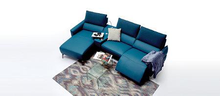 Aviva2 nowoczesna sofa w ciemnym kolorze morskim do salonu modern