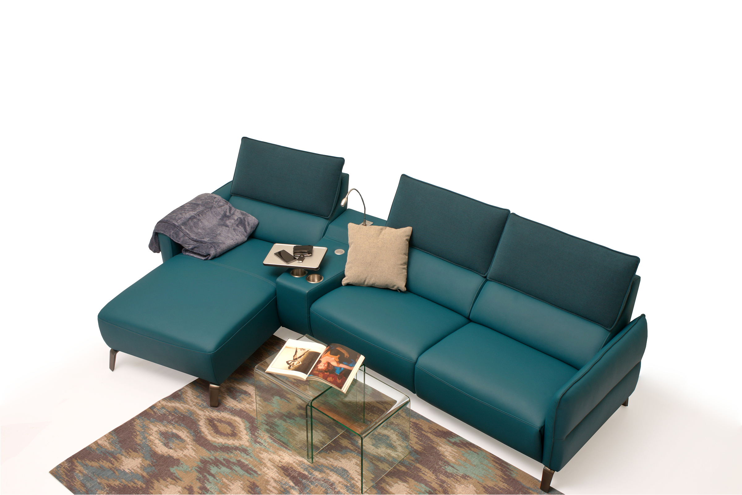 Aviva2 skórzany narożnik w kolorze morskim do nowoczesnego salonu