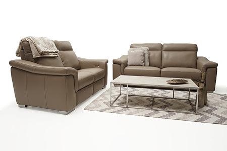 Bolero klasyczne eleganckie sofy jasna skóra brązowa stolik spiek