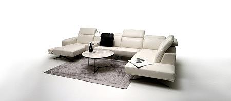 Giotto bardzo elegancka stylowa nowoczesna biała sofa w salonie pomysł aranżacja