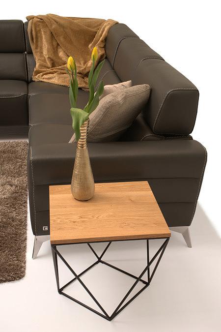 Infinity pomysł na elegancką sofę i stolik z drewnianym blatem na metalowym stelażu