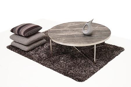 LB7 inspiracja wnętrza z ławą metalową szare poduszki i wazon