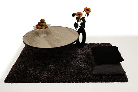 LB8 aranżacja inspiracja ława okrągła czarny dywan z długim włosiem