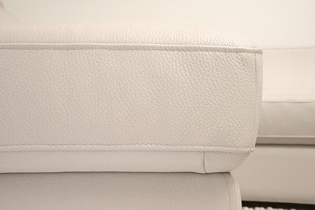 Luciano detal wykonania sofy zbliżenie faktury skóry
