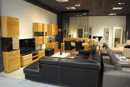 Ekspozycja mebli pokojowych w salonie TC Tomasz Cemboliste we Wrocławiu