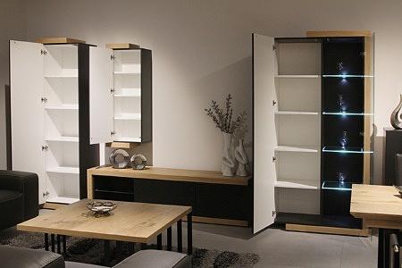 Rodos II - ciemnoszare meble do salonu z białymi wnętrzami szafek, korpusy z dębu sękatego w kolorze naturalnym