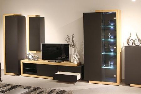 Rodos II - ciemno szara meblościanka korpusy dąb szczotkowany podświetlane szklane półki białe wnętrza szafek