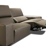 Prezentacja sposobu rozkładania modułu siedziska w kanapie z funkcją relaks