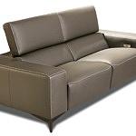 Brązowa kanapa ze skóry naturalnej - nowoczesny design, elegancka kanapa do wnętrz loftowych