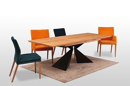 Loftowy stół origami z czarnej blachy profile malowane proszkowo czarna struktura dowolne rozmiary blatow