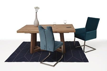 Masywny drewniany stół rozciągany02