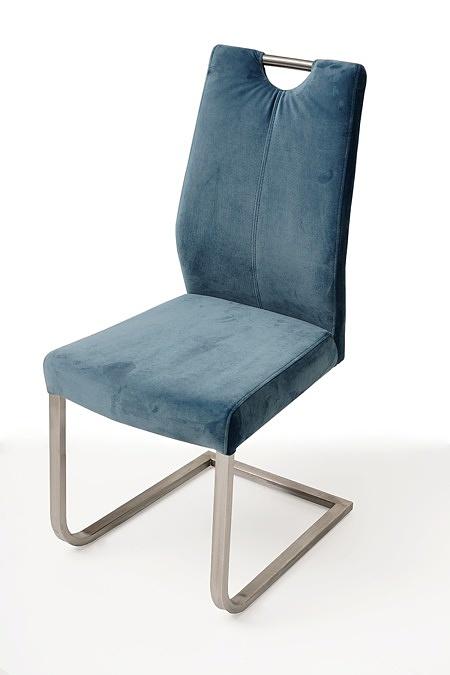 nowoczesne krzesło tapicerowane na metalowych płozach 2