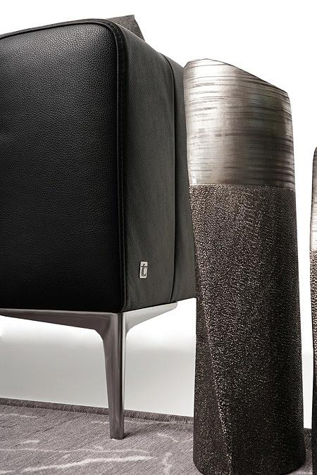 nowoczesny narożnik poduszkowiec na lekkich nóżkach chromowanych tkanina i skóra 08