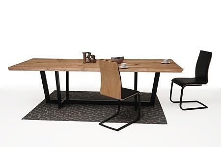 nowoczesny stół z nogami z metalu z drewnianym blatem04