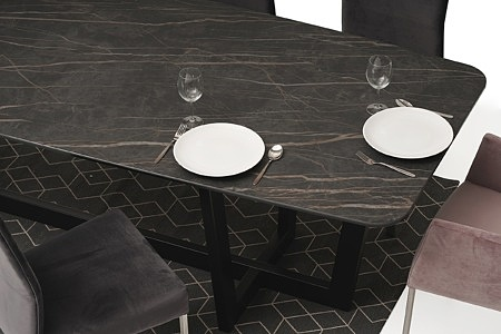 nowoczesny stół z nogami z metalu z polerowanym blatem ze spieku14