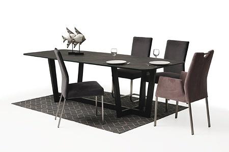 Nowoczesny stół z nogami z metalu z polerowanym blatem ze spieku18