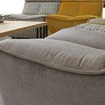Viva - perfekcyjne wykonanie detali narożnika tapicerowanego brązową, beżową tkaniną przyjemną w dotyku