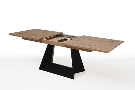rozciągany stół z drewnianym blatem z metalowymi nogami5