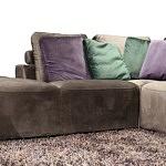 Flavio - narożnik do salonu z kolorówymi poduszkami, poduszki fioletowe, zielone w kolorze butelkowej zieleni, wypoczynek tapicerowany tkaniną