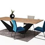 Stół z metalową nogą z drewnianym blatem