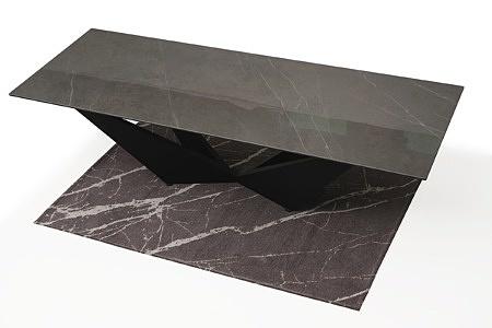 Stół z metalową nogą z drewnianym blatem2