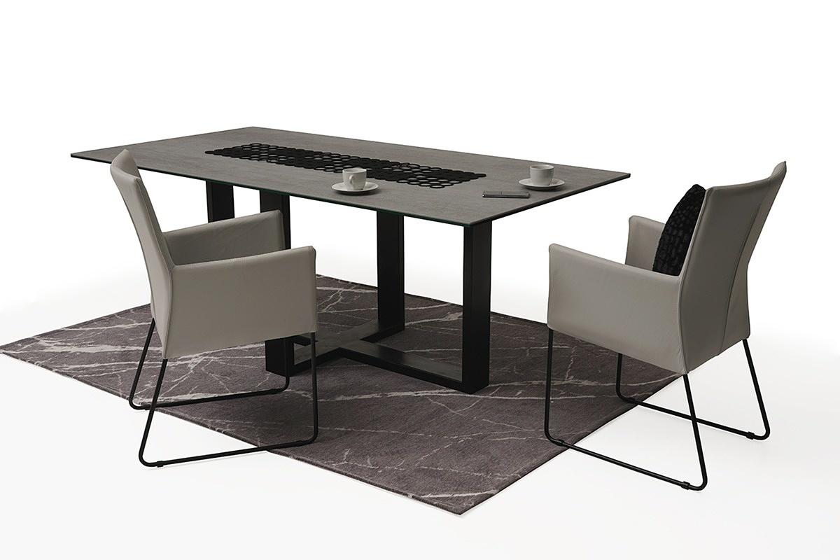 stół z metalowymi nogami z blatem ze spieku kwarcowego02