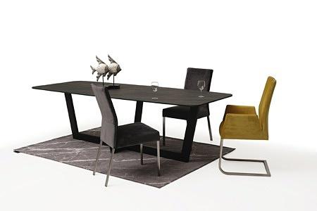 stół ze spiekiem na czarnej metalowej nodze 1