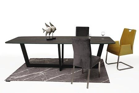 stół ze spiekiem na czarnej metalowej nodze 4