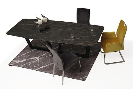 Stół ze spiekiem na czarnej metalowej nodze 5