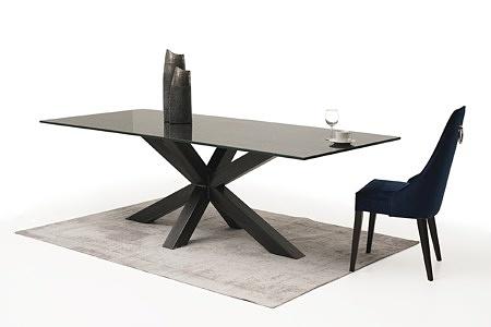 stół ze spieku na dużej metalowej nodze 4