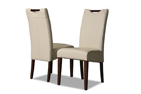 Tapicerowane krzesła z drewnianymi nogami