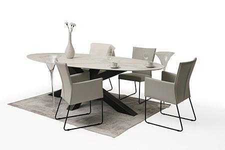 tapicerowane krzesło, podłokietniki