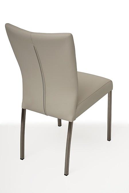 tapicerowane krzesło z metalowymi nogami 02