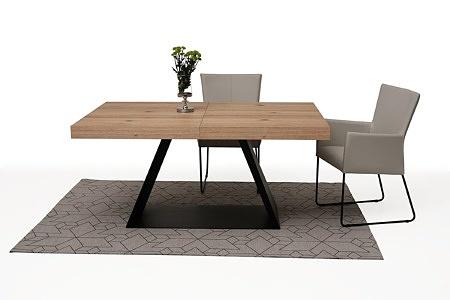 tapicerowane krzesło z metalowymi płozami z podłokietnikami 08