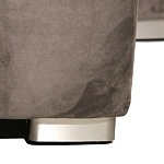 Flavio - detal wykonania metalowych nóżek w narożniku do salonu