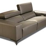 Designerska sofa ze skóry - wysokogatunkowa skóra włoska - kanapa na czarnych metalowych nóżkach satynowanych, z funkcją relax i regulowanymi zagłówkami