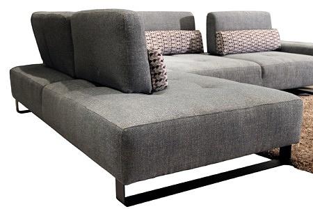 Elegancka wygodna kanapa