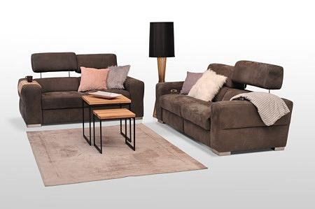 Ładny komplet wypoczynkowy 2+2 do nowoczesnego salonu - sofy tapicerowane dwuosobowe brązowe, funkcja relaksu, grube boki, podnoszone zagłówki