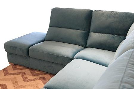 Livio - zbliżenie na oparcie i siedzisko w narożniku tapicerowanym tkaniną w kolorze turkusowym