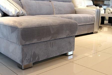 Drift - sofa metalowymi nogami ze stali szczotkowanej