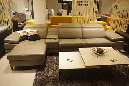sofa z otomaną beżowa skóra