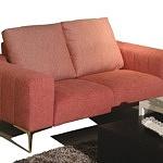 Elegancka sofa tapicerowana nowoczesna, czerwona tkanina, złote nóżki, oparcie stanowią dwie wygodne poduszki