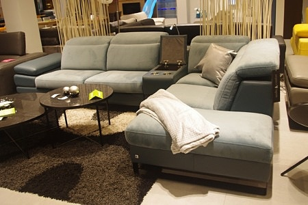 Wygodna nowoczesna sofa
