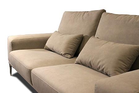 Rimini - wygodna sofa kanapa brązowa tapicerowana nowoczesna tkaniną plamoodporną carabu w kolorze brązowym